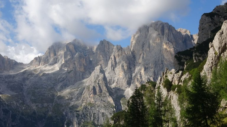 Dolomity. Forcella d'Oltro