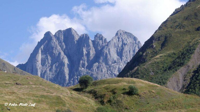 Gruzja. Spod Chaukhi do Juty i pod Kazbek.
