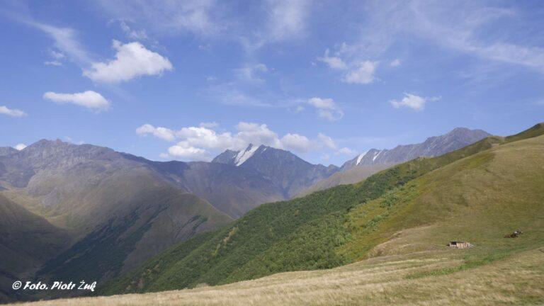 Gruzja. Przełęcz Atsunta