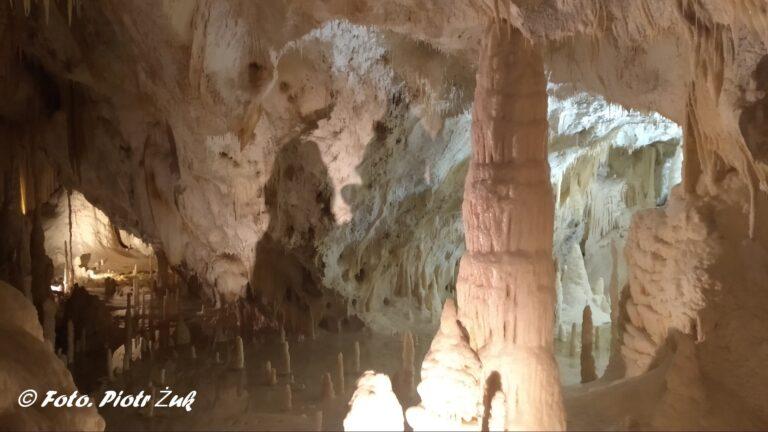 Włochy. Jaskinia Frasassi