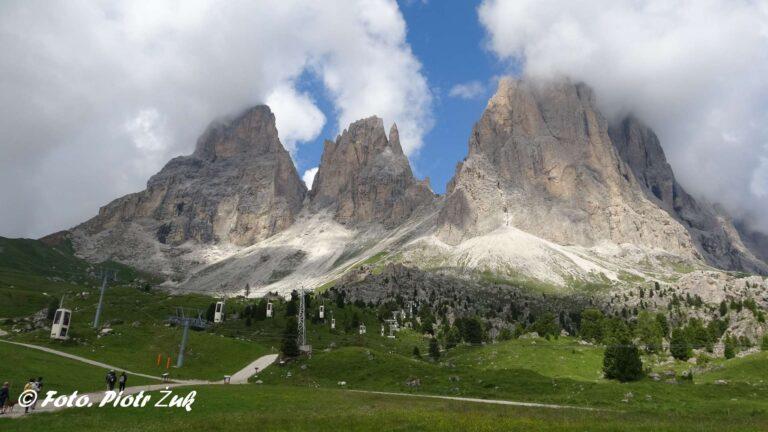 Dolomity. Sassolungo