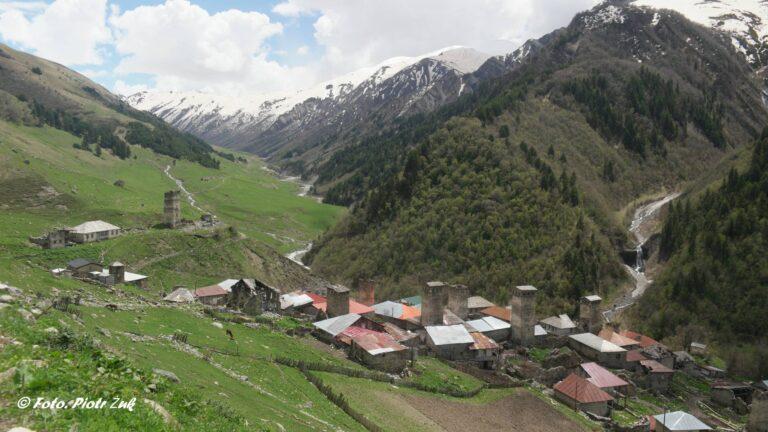 Gruzja. Swanetia, Adishi